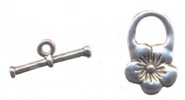 Fermoirs fleur anneau : 20 mm et toggle :20 mm<br /> Qte : 5