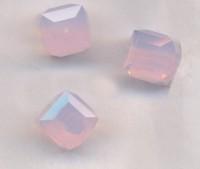 Perles cubes Swarovski 4 mm ( 5601 ) Violet opal X 8