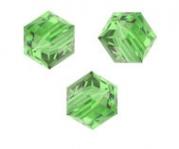 Perles cubes Swarovski 6 mm ( 5601 ) Peridot X 1