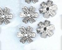 Calotte  Fleur Gris Argenté 16.5x16.5mm  Qte : 10