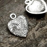 Breloques  Coeur en Argent Tibétain 18.5x15mm  Qte : 2