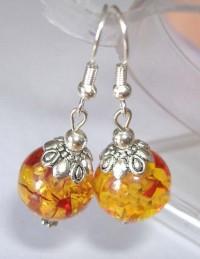 Boucles d'oreilles, des perles de cire d'abeille jaune X 1