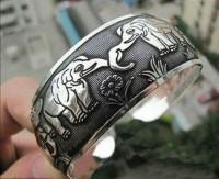 Bracelet argent du tibet   éléphants  Diametre 6 cm et largeur 2.2 cm
