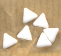 KHÉOPS® PAR PUCA® 6 MM CHALKWHITE Diametre du trou = 0.9 mm  (soit 75 perles environ). X 10 gr