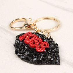 Bouche kiss (anneau + pince accroche sac , ceinture) 6.4 x 3.6 cm