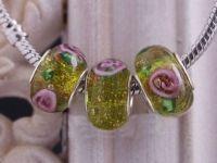 Perles Lampwork , perles de Murano et argent    15 x 9 et trou 4.5.... fleur X 10   Perles