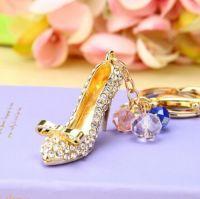 Chaussure ( anneau + pince accroche sac , ceinture ) 5 x 3 cm