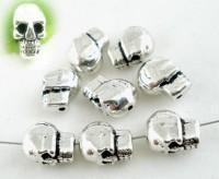 Intercalaires  Crâne 5x9mm taille du trou = 1.5 mm X 5
