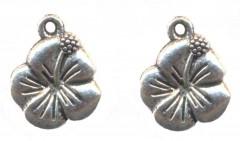 Breloques fleurs 15 X 14 mm Qte : 2