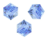 Perles cubes Swarovski 4 mm ( 5601 ) Light sapphire X 8