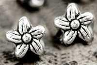Intercalaires  Fleur en Argent Tibétain 6.5 x 6.5mm  taille du trou = 1 mm Qte : 10