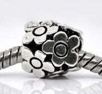 Intercalaires Fleur 10mm....taille du trou = 5 mm X 5