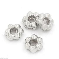 Perles Intercalaires 6 Pétales Fleur  3.5 mm trou : 1.5 mm x 20