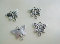 Breloques  papillon 14mmX 13mm Qte : 2