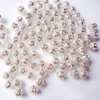 Perles boules  Scintillantes argent 4mm  taille du trou = 0.8 mm X 10