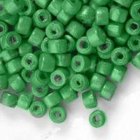 1200 Perles en bois Donut vert  3x4mm ...taille du trou = 1.4 mm