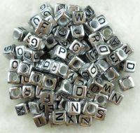 Cubes 6 mm  acrylique X 50