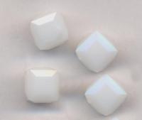 Perles cubes Swarovski 8 mm ( 5601 ) White alabaster X 1