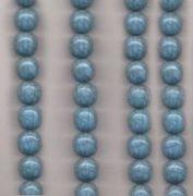 Perles resine rondes 20 mm bleu ciel....taille du trou = 2 mm X 5