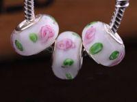 Perles Lampwork , perles de Murano et argent blanc et fleur    15 x 9 et trou 4.5mm X 10