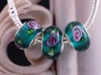 Perles Lampwork , perles de Murano et argent  15 x 9 et trou 4.5    green vert  X 10