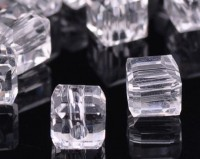 Cubes en crystal  6 mm X 30