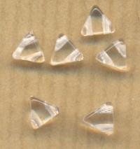 KHÉOPS® PAR PUCA® 6 MM CRYSTAL Diametre du trou = 0.9 mm  (soit 75 perles environ). x 10 gr ( X 20 perles )
