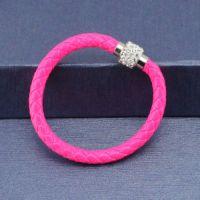 Bracelet gainé de cuir  avec fermoir aimant  20 cm X 1