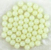 Perles 4 mm rondes en verre tchèque  Vert pale Diametre du trou 1 mm X 50