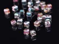 Cubes en crystal rose green 4 mm X 25