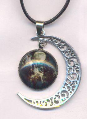 collier cuir et pendentif