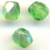 PERLES FACETTES DE BOHEME   8 mm 10 perles peridot AB