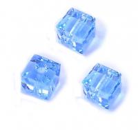 Perles cubes Swarovski 4 mm ( 5601 ) Aquamarine X 8